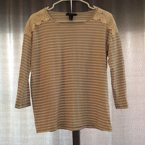 Tan and white quarter sleeve top with lace!
